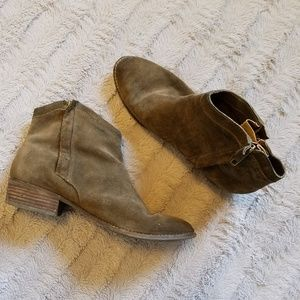 Dolce Vita Hunter Green Ankle Boots
